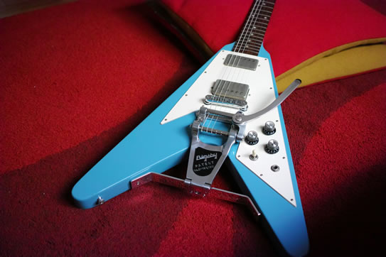 Gibson Flying V with Bigsby B7